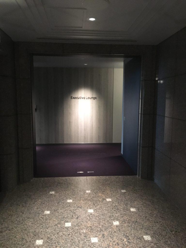 東京マリオットラウンジ入口