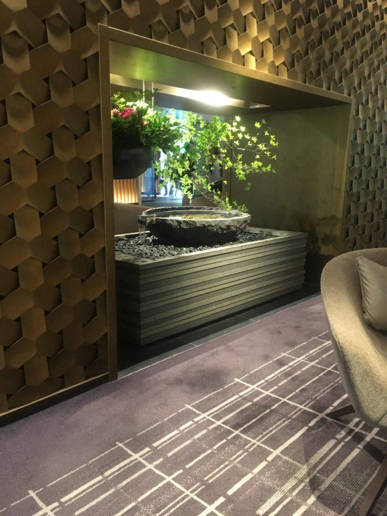 ザ・プリンスさくらタワー東京、オートグラフコレクション ロビー盆栽
