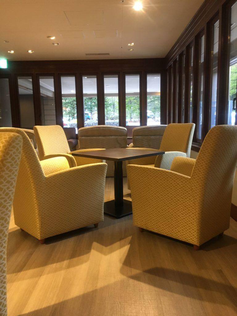 軽井沢マリオットラウンジ椅子2