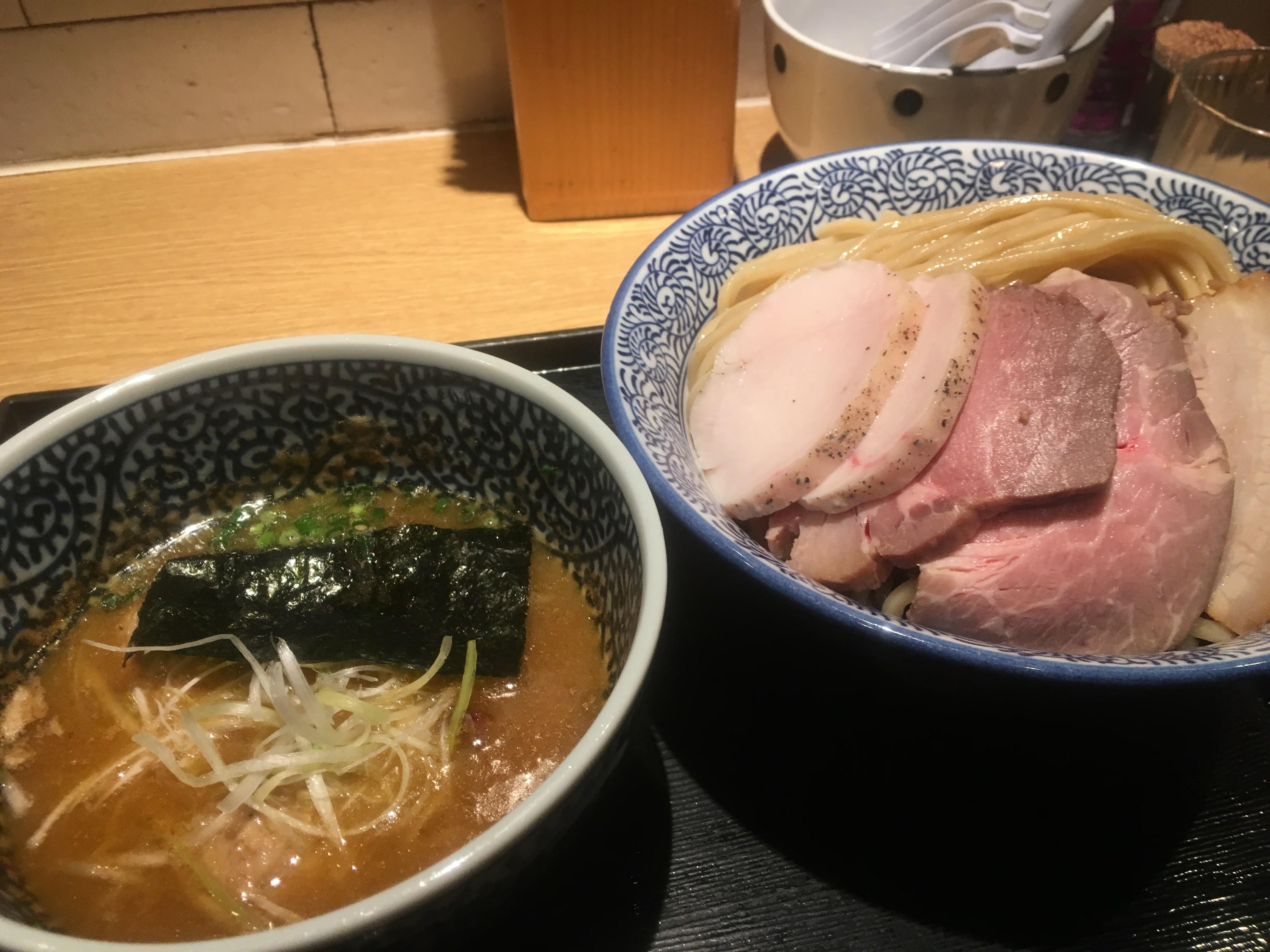 麺屋一燈チャーシュー濃厚魚介つけ麺
