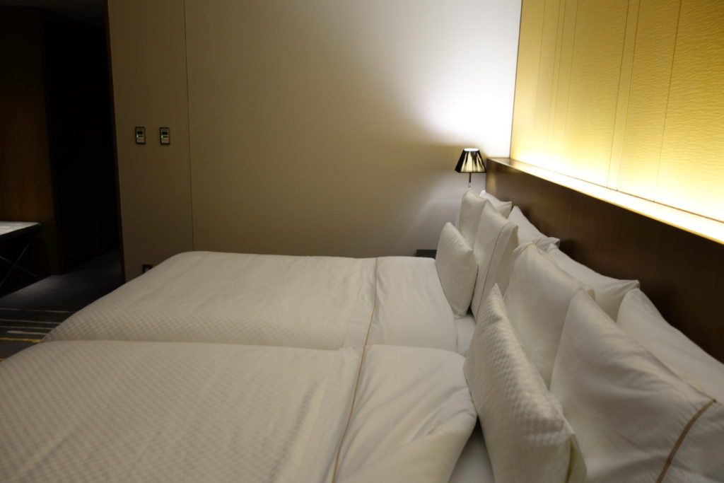 ウェスティンホテル仙台お部屋ベッド3