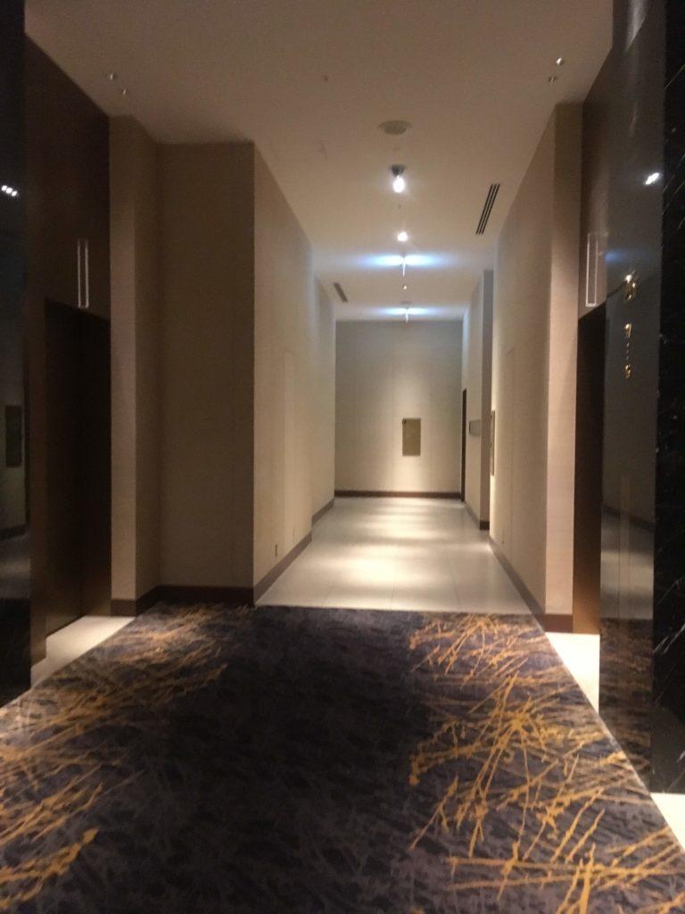 ウェスティンホテル仙台エグゼクティブクラブラウンジ廊下
