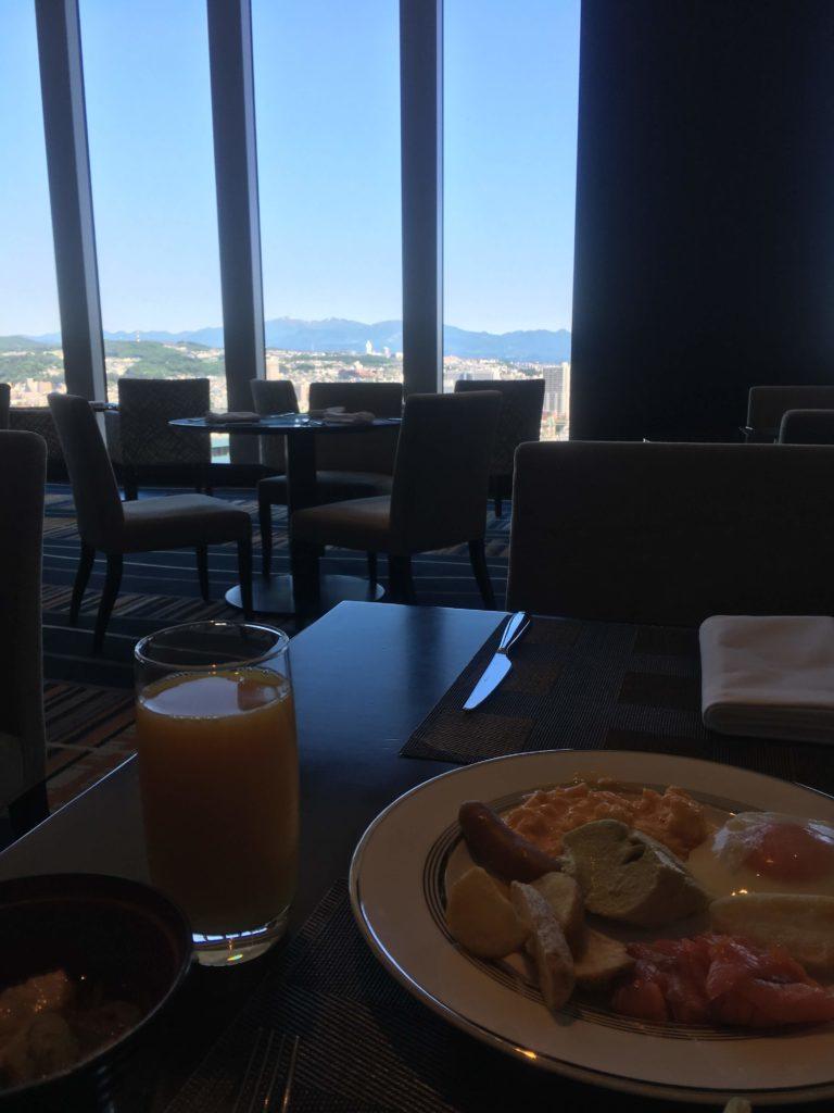ウェスティンホテル仙台ラウンジ朝食景色