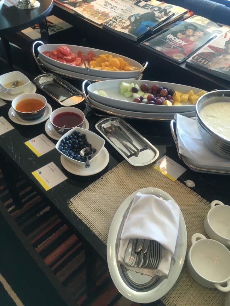 ウェスティンホテル仙台ラウンジ朝食フルーツ