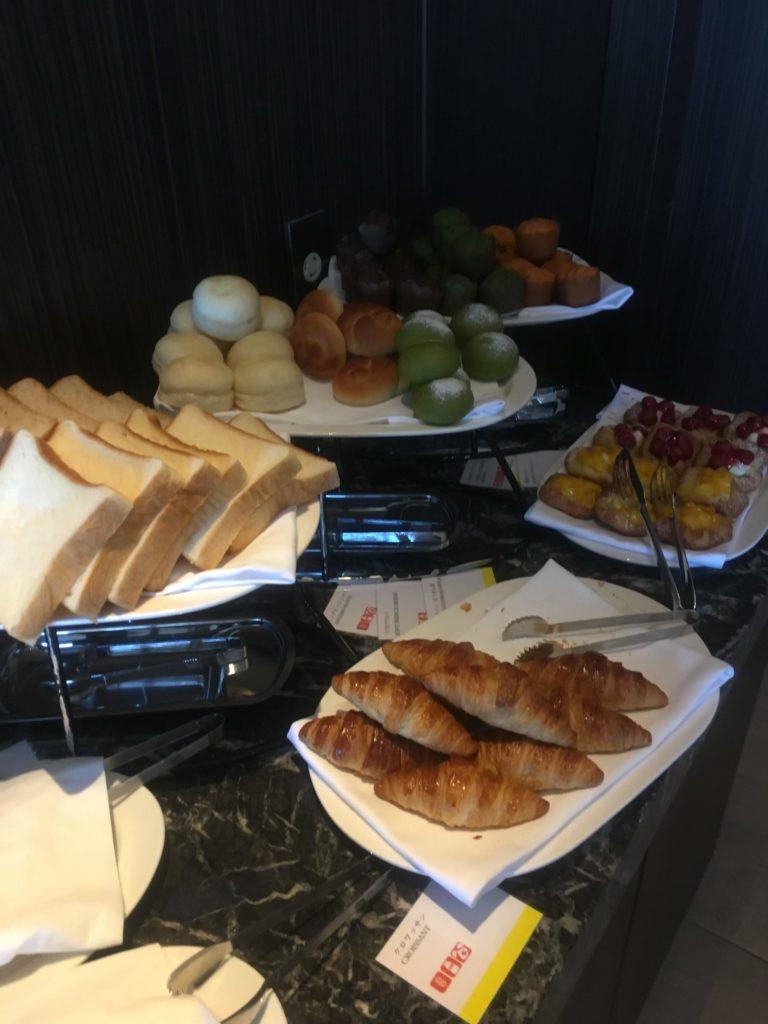 ウェスティンホテル仙台ラウンジ朝食パン