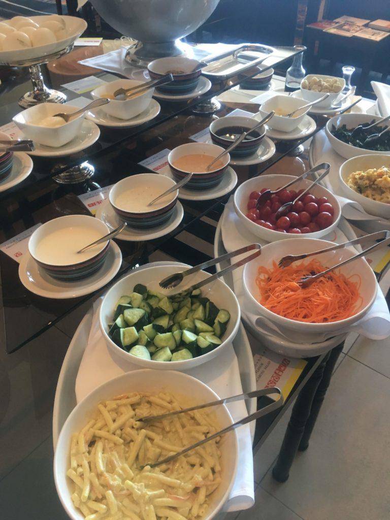 ウェスティンホテル仙台ラウンジ朝食サラダ