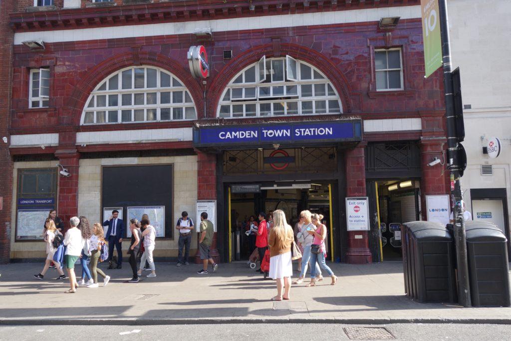 ロンドンけいおん!カムデンタウン駅2