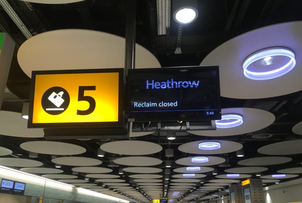 ロンドンけいおん!ヒースロー空港荷物