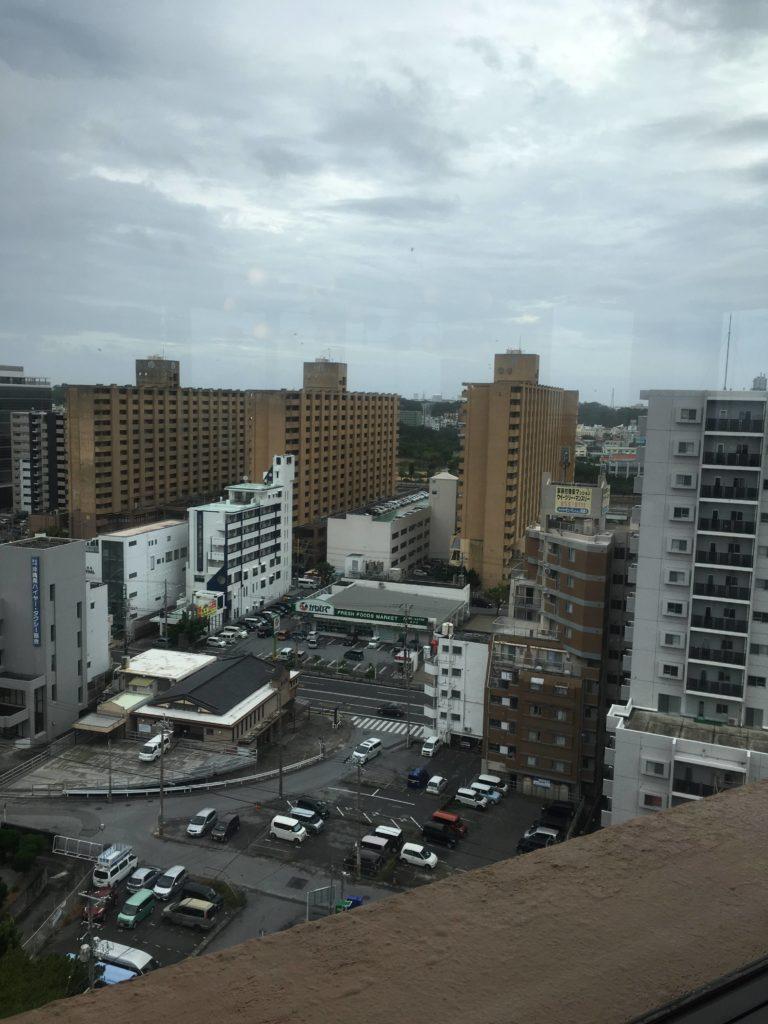 ANAクラウンプラザホテル沖縄ハーバービューラウンジ景色