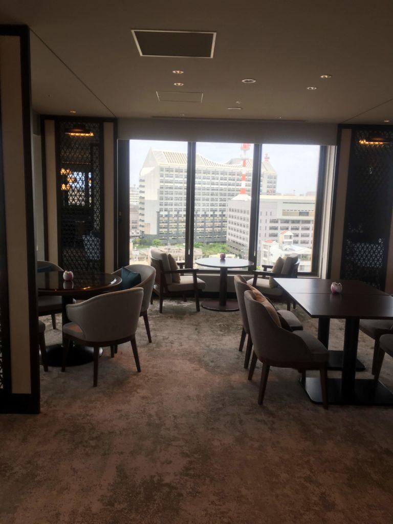 ANAクラウンプラザホテル沖縄ハーバービューラウンジ内装