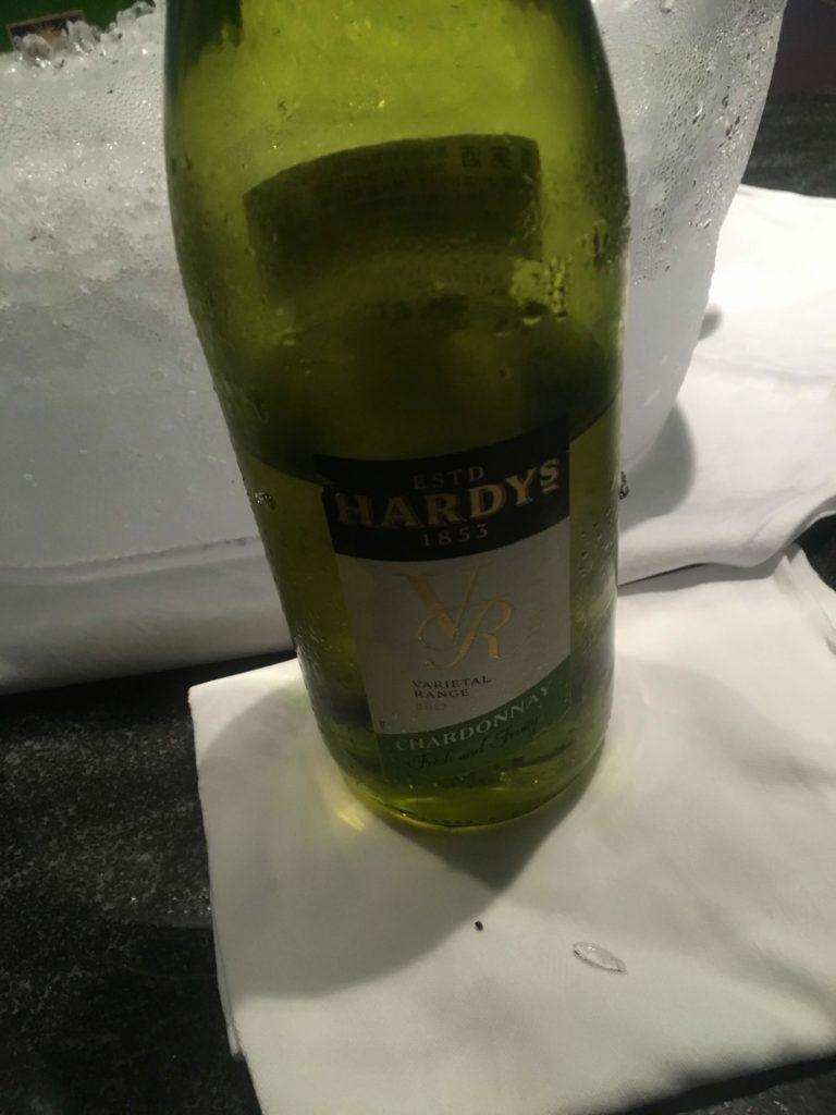 ANAクラウンプラザホテル沖縄ハーバービューラウンジ白ワイン