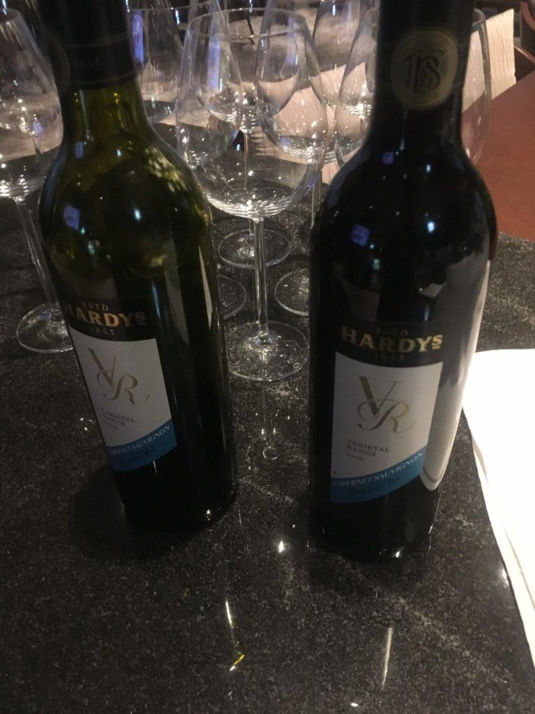 ANAクラウンプラザホテル沖縄ハーバービューラウンジ赤ワイン