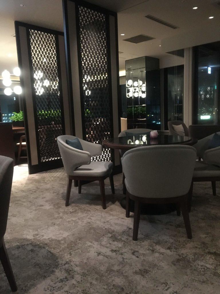 ANAクラウンプラザホテル沖縄ハーバービューラウンジカクテルタイム雰囲気