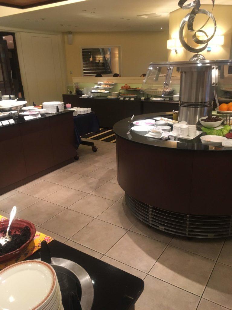 ANAクラウンプラザホテル沖縄ハーバービュー朝食会場