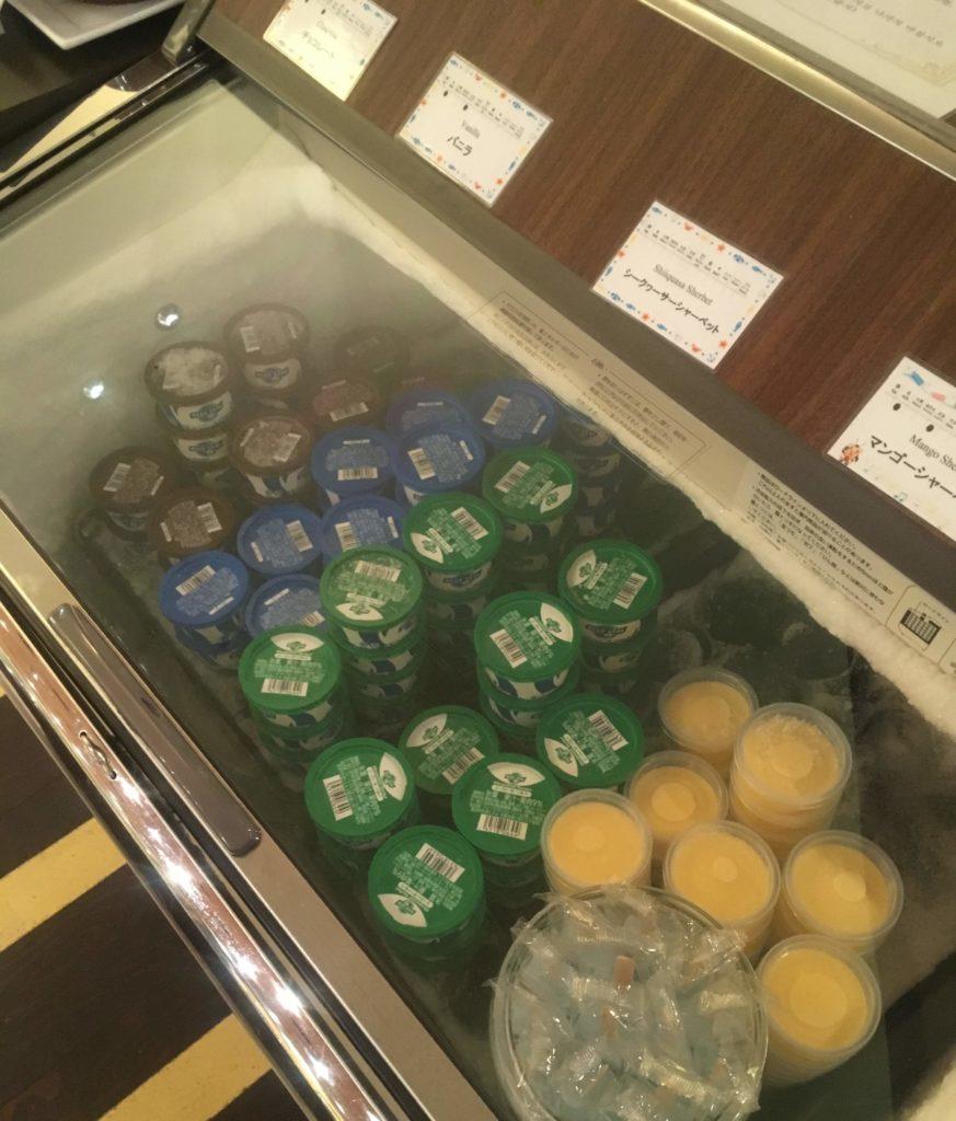 ANAクラウンプラザホテル沖縄ハーバービュー朝食アイス