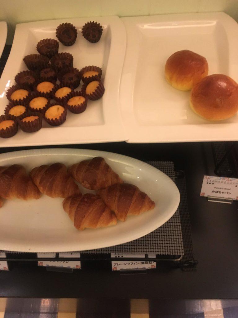 ANAクラウンプラザホテル沖縄ハーバービュー朝食パン