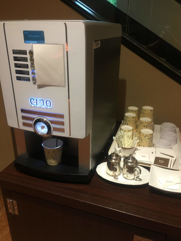 ANAクラウンプラザホテル沖縄ハーバービュー朝食お持ち帰りコーヒー