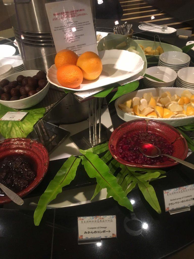 ANAクラウンプラザホテル沖縄ハーバービュー朝食フルーツ