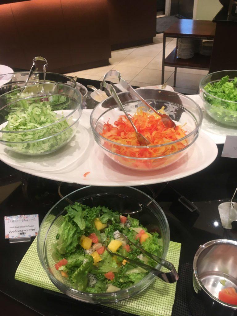ANAクラウンプラザホテル沖縄ハーバービュー朝食サラダ
