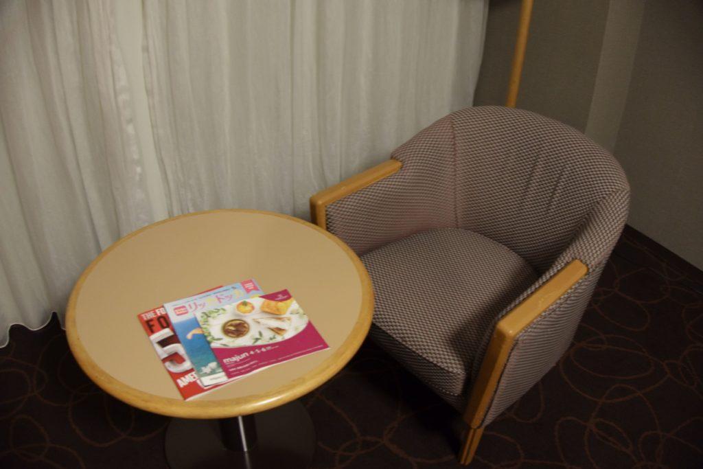 ANAクラウンプラザホテル沖縄ハーバービューソファ