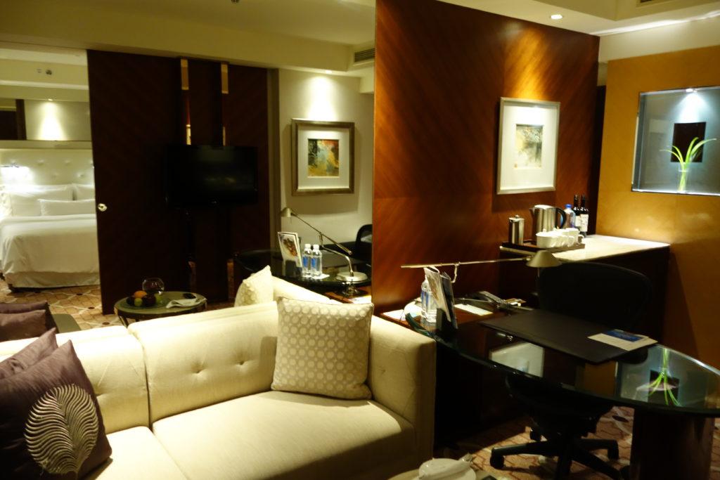 ウェスティン外灘センター上海お部屋ソファ2