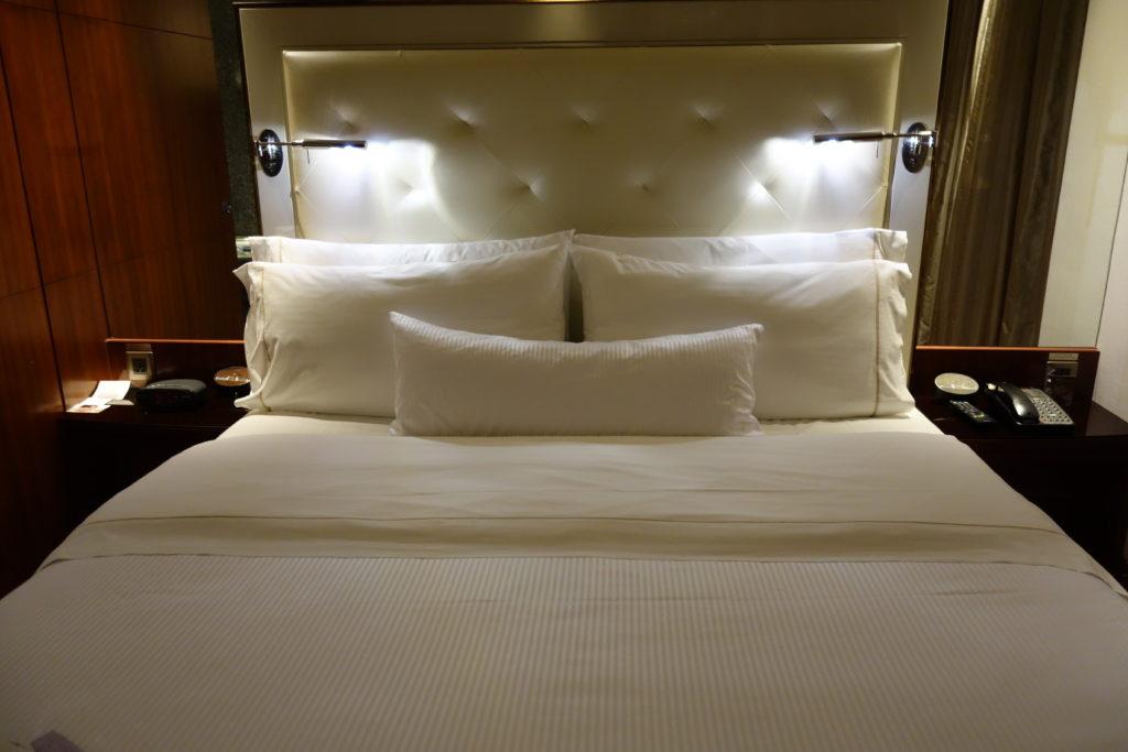 ウェスティン外灘センター上海お部屋ベッド2
