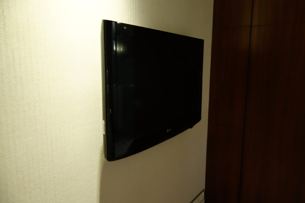 ウェスティン外灘センター上海お部屋ベッドルームテレビ