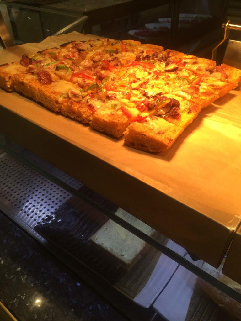 ウェスティン外灘センター上海朝食ピザ