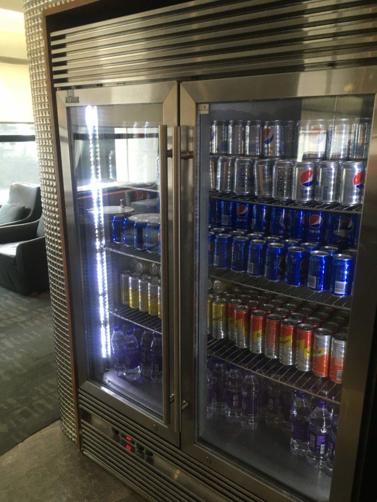 上海浦東空港中国国際航空ラウンジ飲み物2