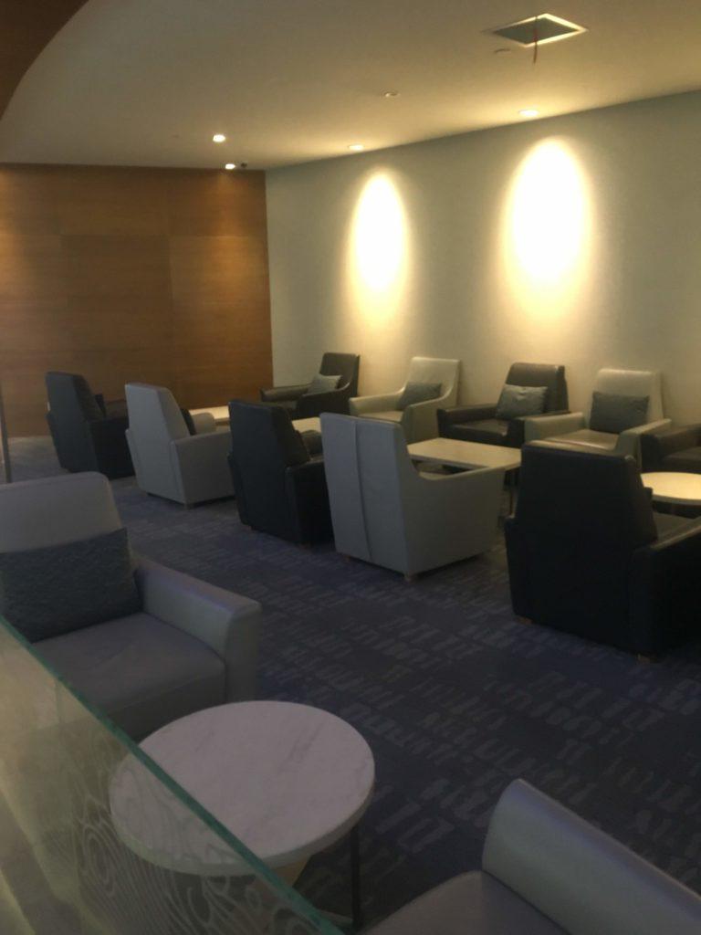 上海浦東空港中国国際航空ラウンジ座席4