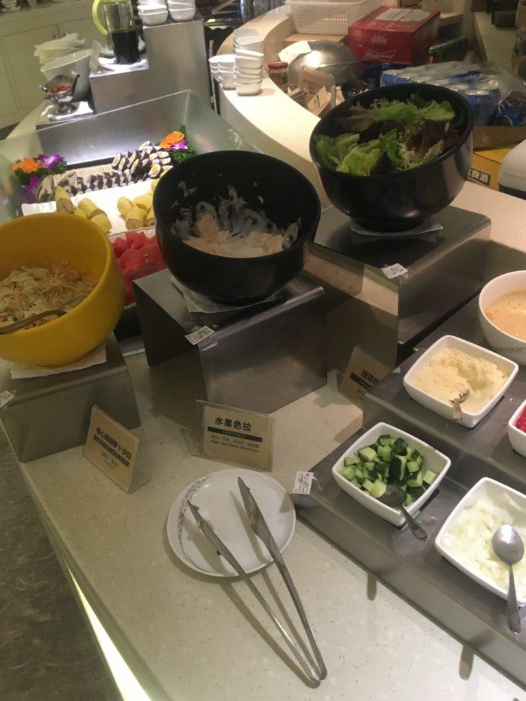 上海浦東空港中国国際航空ラウンジお食事2