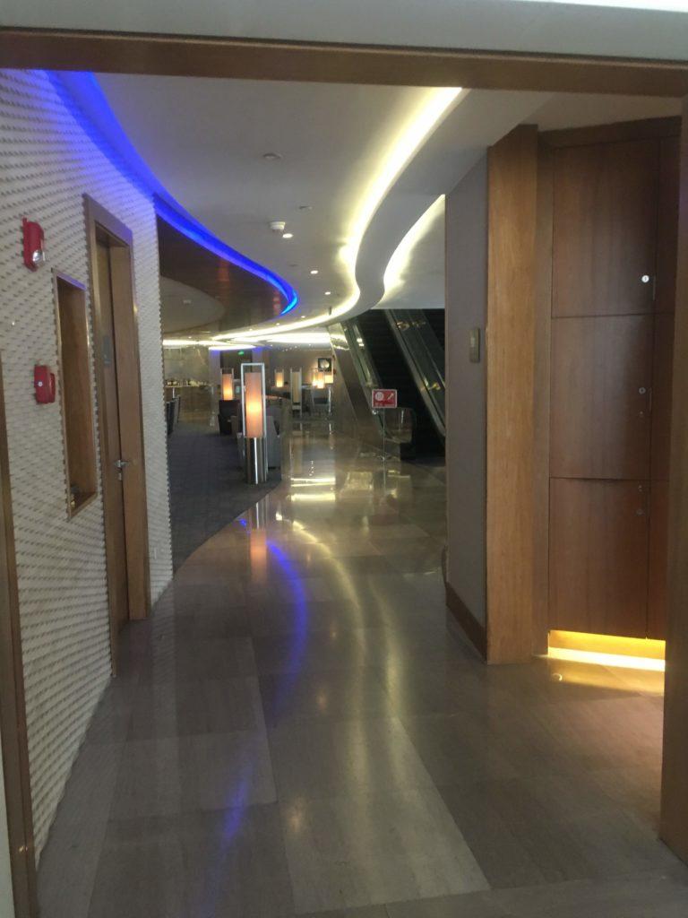 上海浦東空港中国国際航空ラウンジ通路