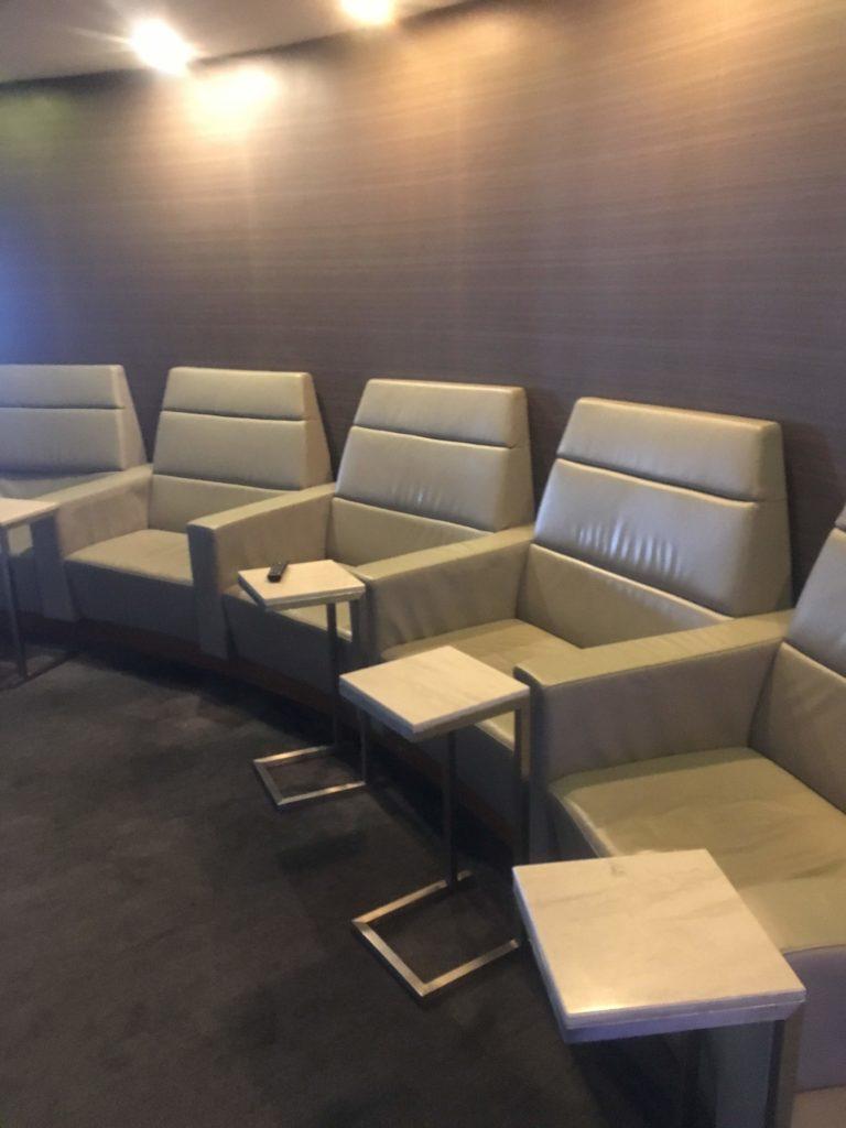 上海浦東空港中国国際航空ラウンジシアター