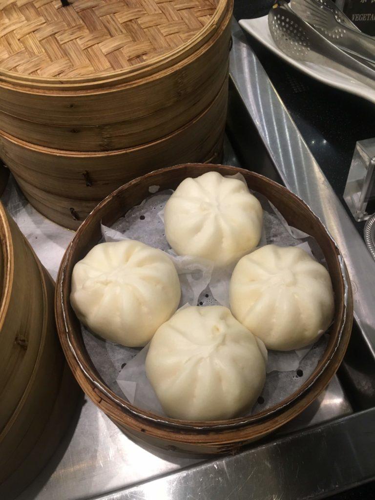 台湾桃園国際空港エバー航空ラウンジ肉まん