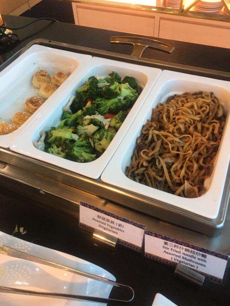 台湾桃園空港シンガポール航空シルバークリスラウンジお食事