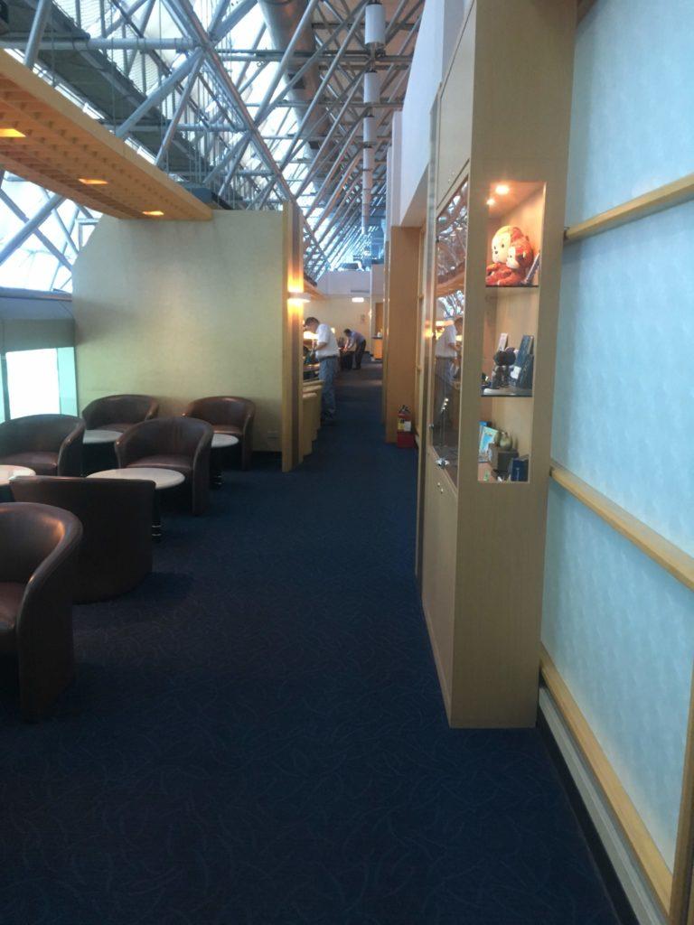 台湾桃園空港シンガポール航空シルバークリスラウンジ入口