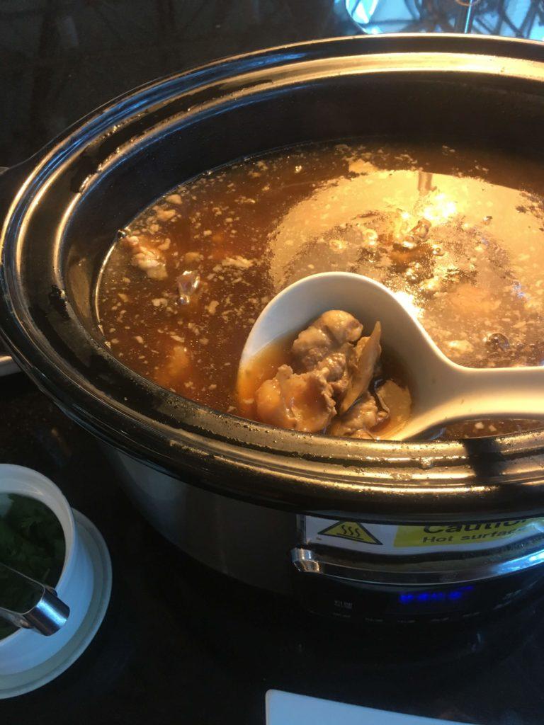 台湾桃園空港シンガポール航空シルバークリスラウンジ肉豆腐