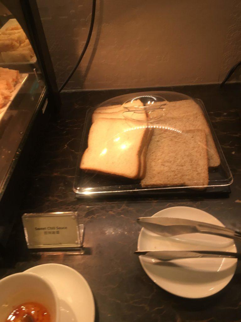 香港国際空港シンガポール航空シルバークリスラウンジパン