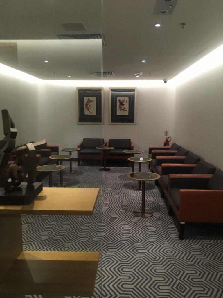 香港国際空港シンガポール航空シルバークリスラウンジ座席