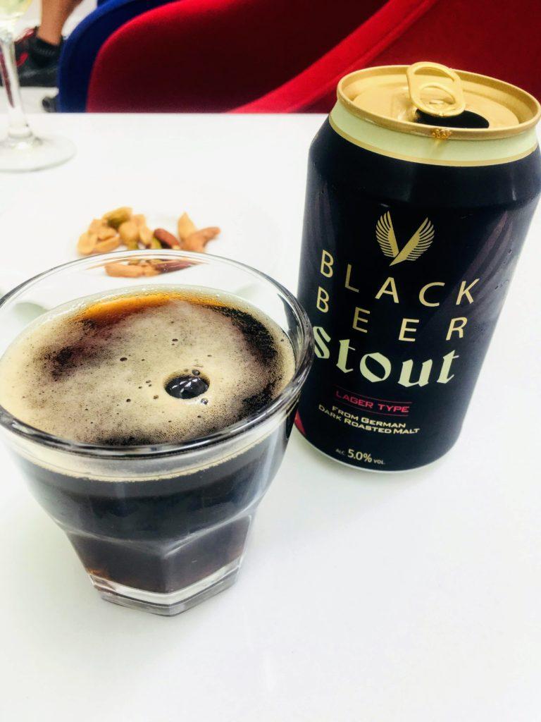 香港国際空港のタイ航空ロイヤルオーキッドラウンジビール