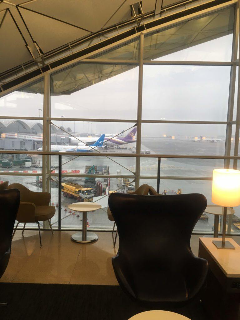 香港国際空港ユナイテッド航空ラウンジ座席