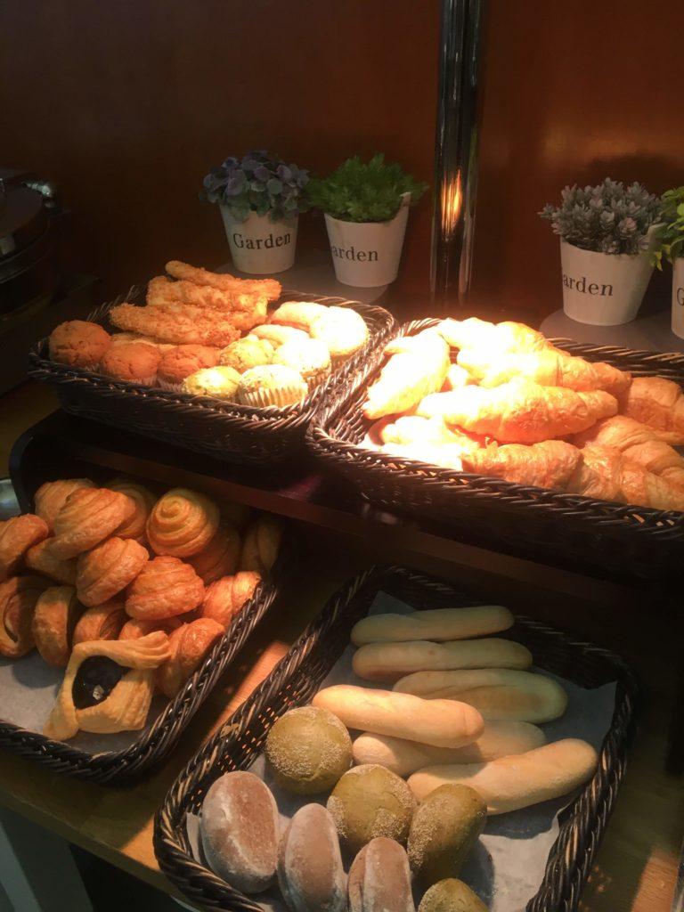 香港国際空港ユナイテッド航空ラウンジパン