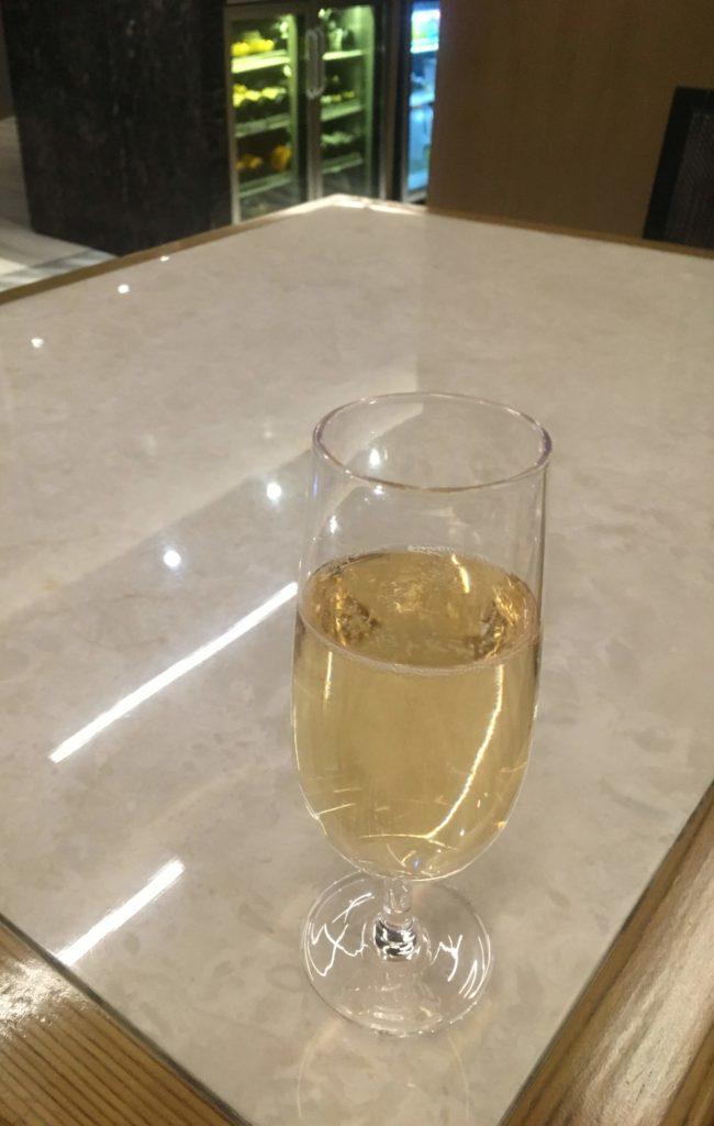 香港国際空港シンガポール航空シルバークリスラウンジモエ・エ・シャンドン