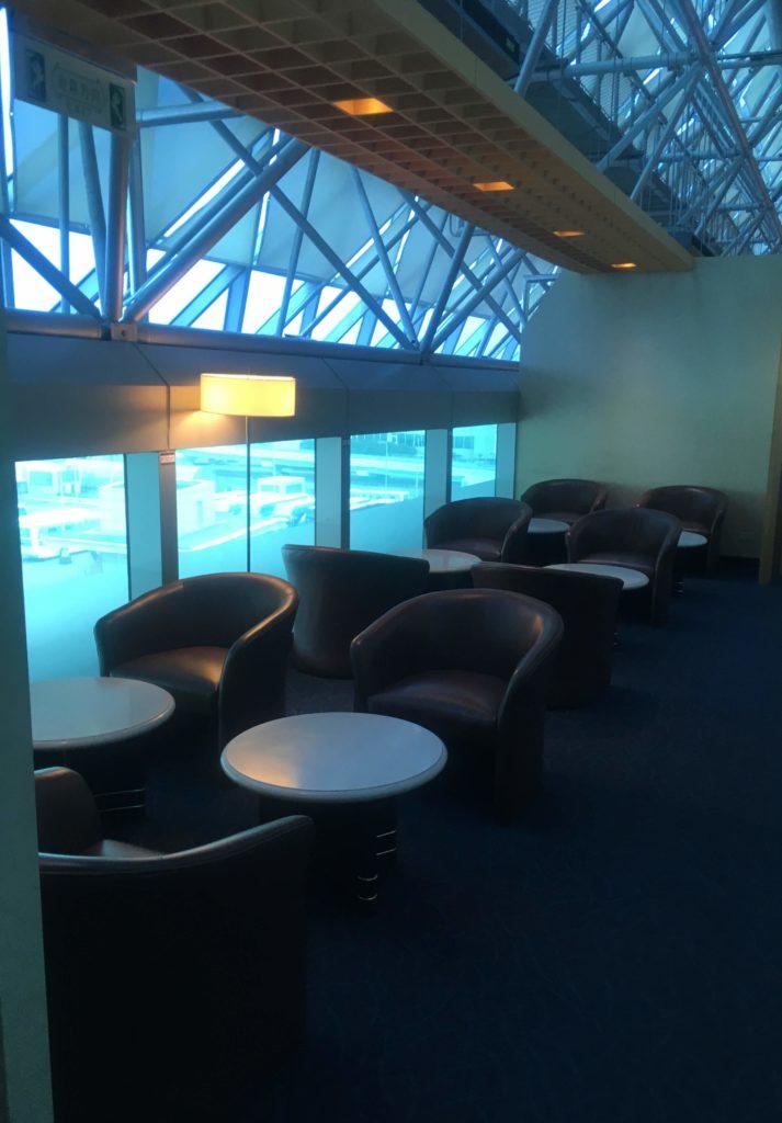 台湾桃園空港シンガポール航空シルバークリスラウンジ座席