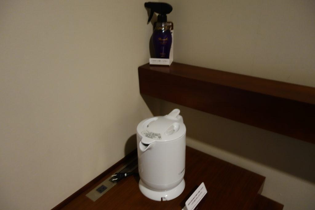 三井ガーデンホテル仙台お部屋電気ケトルと消臭スプレー