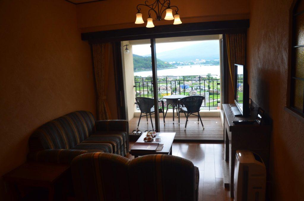 ラビスタ富士河口湖お部屋リビング