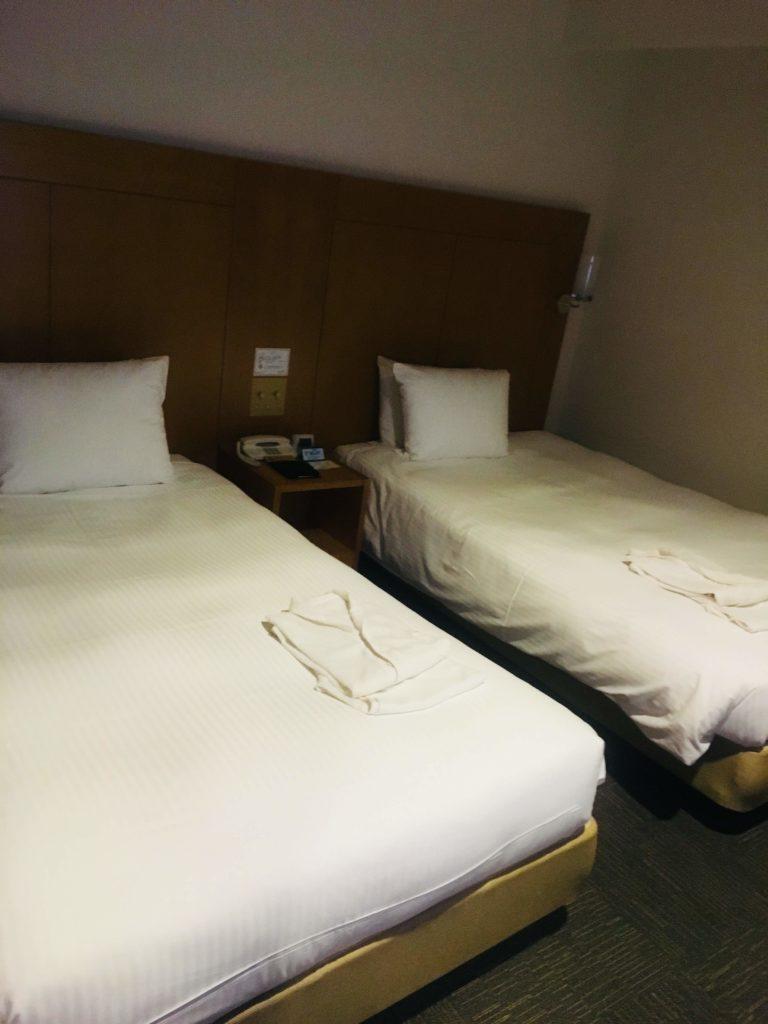 ホテルロコアナハ部屋ベッド
