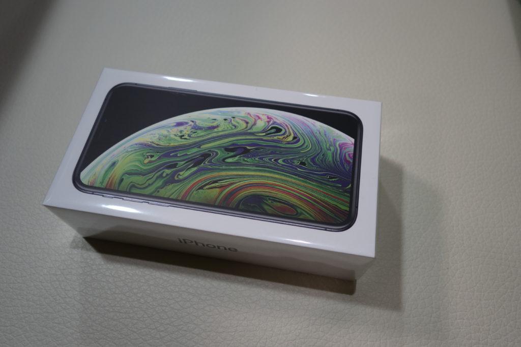 iPhone XS箱