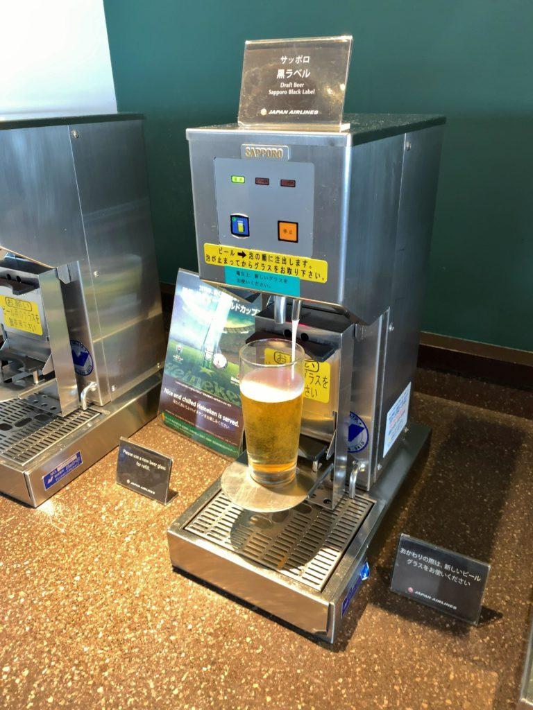 羽田空港JALサクララウンジビールサーバーサッポロ黒ラベル