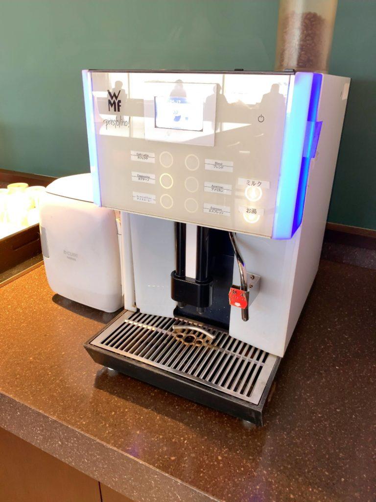 羽田空港JALサクララウンジコーヒーマシン